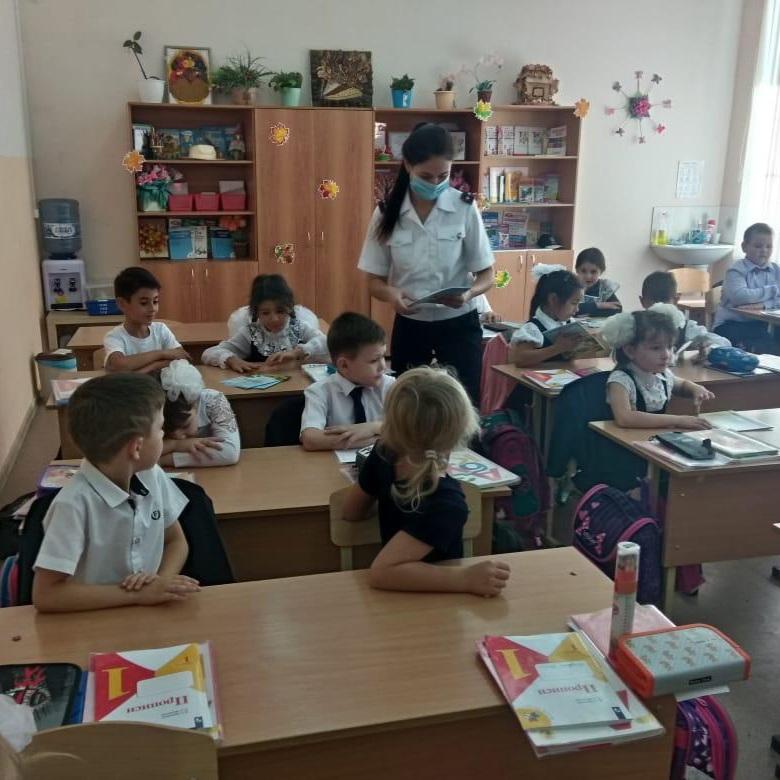 Профилактическая беседа в школах МБОУ СОШ №12 и МБОУ СОШ №14